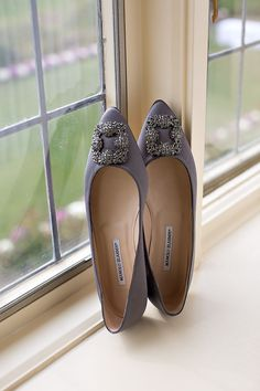 purple weddign shoes #purpleshoes #weddingshoes #weddingchicks http://www.weddingchicks.com/2013/12/18/fall-fantasy-wedding/