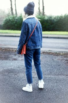 Where some may not see the point in the smaller details when it comes to an outfit, I myself find them the most important. #denim #doubledenim #sneakers