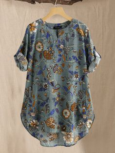 O-NEWE Vintage Floral Print Sleeve Irregular Plus Size Blouse can cover your body well, make you more sexy, Newchic offer cheap plus size fashion tops for women. Plus Size Blouses, Plus Size Tops, Blouse En Coton, Blouse Ample, Clothes For Sale, Clothes For Women, Blouse Vintage, Vintage Floral, Best Tank Tops