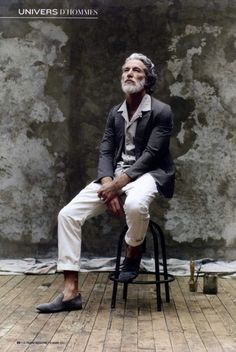 Good looking grey! (Aiden Shaw by Stéphane Gallois for Le Figaro)