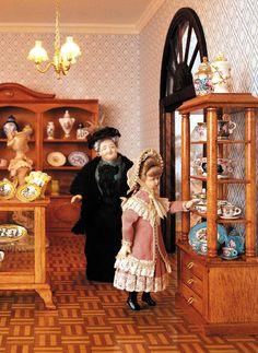 Die Porzellan Abteilung im größten Miniatur Kaufhaus der Welt.