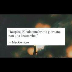 non ne sarei cosí sicura. Italian Memes, Italian Quotes, Motivational Speeches, Motivational Words, Favorite Quotes, Best Quotes, Tumblr Quotes, My Mood, Quote Aesthetic