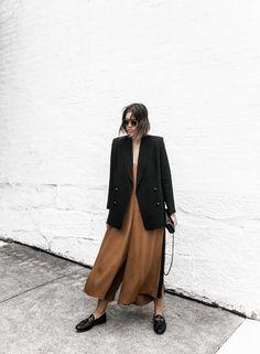 Fashion Gone rouge: Photo Office Fashion, Work Fashion, Fashion Outfits, Net Fashion, Street Fashion, Brown Jumpsuits, Fashion Gone Rouge, Inspiration Mode, Blazer