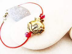 "Kabbalah Bracelet ""Red String"" evil eye from Israel"
