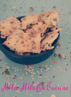 Des crackers gourmand et sain , quoi demander de plus ? J'ai craqué quand je les ai vu chez Julia du jolie blog : Cooking Julia . Ultra rapide à préparer en plus , pas besoin de robot , ils sont addictifs , on arrive plus à s'arrêter une fois qu'on a...