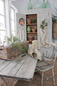 Read more about shabby french chic Country Interior, Country Decor, Rustic Decor, Cottage Design, Cottage Style, Deco Pastel, Vibeke Design, Farmhouse Chic, Shabby Chic Style