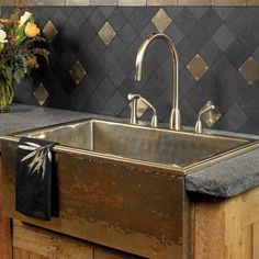 The Rocky Mountain Hardware Alturas Apron Front sink
