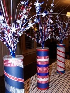if July Firecrackers! My Mother In Law makes these every year for the kids out of old Pringle cans, and fills with goodies! Her's are better than these…but you get the idea. Fourth Of July Decor, 4th Of July Decorations, 4th Of July Party, July 4th, Birthday Decorations, Patriotic Crafts, Patriotic Party, July Crafts, Holiday Crafts