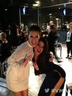 Selena Gomez & Allison Williams @ MTV Video Music Awards 2013