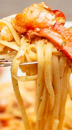 This is the best lobster pasta we've had outside of Italy. An easy lobster pasta, plus how to cook a lobster. You'll feel like you're on the Amalfi Coast! Lobster Pasta, Lobster Dishes, Crab And Lobster, Lobster Recipes, Seafood Pasta, Fish Dishes, Seafood Dishes, Fish And Seafood, Pasta Dishes
