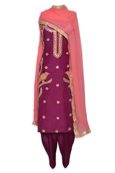 Traditional punjabi unstitched salwar kmaeez adorn in gota work-Mohan's the chic window Embroidery Suits Punjabi, Embroidery Suits Design, Embroidery Patterns, Hand Embroidery, Indian Party Wear, Indian Wear, Indian Style, Indian Ethnic, Designer Punjabi Suits