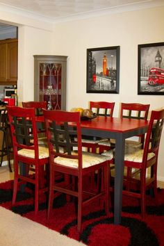 London Themed Dinning Room done by English Flare