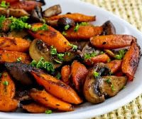Cantinho Vegetariano: Cenouras Assadas com Cogumelos e Tomilho (vegana)