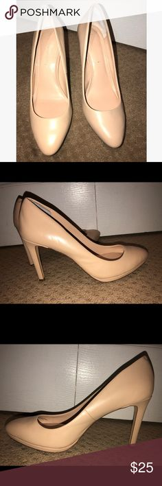Banana Republic Nude pumps Pale nude leather pumps by Banana Republic. Size 9. Worn only a few times. In excellent condition. Banana Republic Shoes Heels