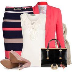 Los colores neutros son aburridos. Combina el azul marino con el rosa para un look profesional pero moderno.