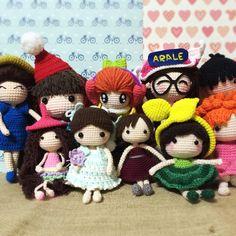 """Group hug! #crochet#amigurumi #crochetaddict #crochetlove #yarn #yarnlover #handmade #haken #häkeln #crochetdoll #doll #ganchillo#вязание…"""