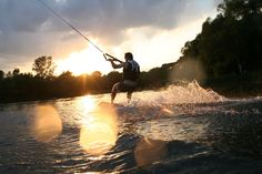 Wakeboarding. Russia, Belgorod wake park. Vertigo cableway http://vertigosports.ru