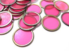 VINTAGE BINGO Chips Hot Pink Metal Rim Fifty (50) Plastic Metal Vintage Bingo Chips Discs Vintage Art Supplies Vintage Game Pieces (T173) by punksrus on Etsy
