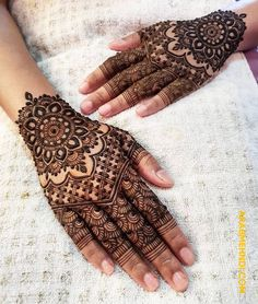 50 Most beautiful Rajasthani Mehndi Design (Rajasthani Henna Design) that you can apply on your Beautiful Hands and Body in daily life. Modern Henna Designs, Henna Tattoo Designs Simple, Latest Bridal Mehndi Designs, Full Hand Mehndi Designs, Henna Art Designs, Mehndi Designs For Beginners, Wedding Mehndi Designs, Mehndi Designs For Fingers, Mehndi Design Images