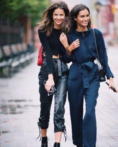 32 отметок «Нравится», 1 комментариев — MODELS (@vogueetoday) в Instagram: «Bruna Lirio & Gizele Oliveira // they are perfect best friend goals #streetstyle»