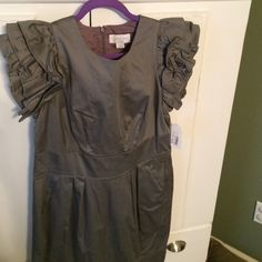 Jessica Simpson dress Super cute grey dress with ruffle sleeves and pockets. Jessica Simpson Dresses
