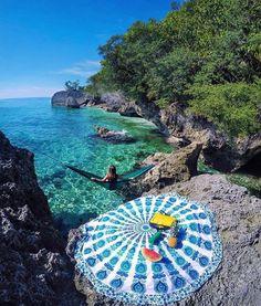 Perfect secret picnic spot  / Sumilon Island Cebu Philippine /  Rod Ruales / via UNILAD Adventure /    theadventurouslife4us.tumblr.com Say Yes To Adventure
