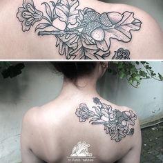 #acorn #flowers #tattoo #herzdame #ink #inked #tilldth #tilldthtattoo #closeup…