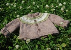 concentric stripes baby cardigan free knitting pattern