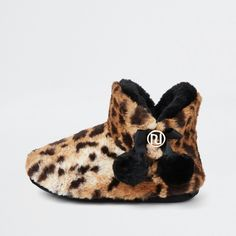 3494fd9dd2797 37 Best Slippers images in 2019 | Booty, Clothes for women, Clothing