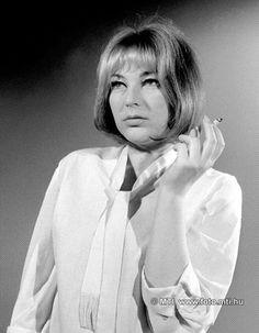 Kállay Ilona (1930-2005) kétszeres Jászai Mari-díjas magyar színésznő, érdemes művész.