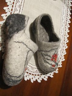 Great slipper tutorial. I like her idea for wetting the wool.