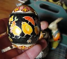 pysanky egg ---- To me, this is a very unusual design for a pysanky egg. I like the illustration's vintage quality and the black background. Cool Easter Eggs, Ukrainian Easter Eggs, Hoppy Easter, Egg Crafts, Easter Crafts, Holiday Celebrations Around The World, Egg Pictures, Easter Egg Designs, Easter Traditions