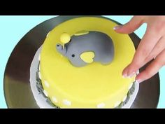 How to Make a Pregnant Belly Cake Baby Elephant Cake, Elephant Cake Toppers, Amazing Baby Shower Cakes, Edible Gum, Cake Decorating Techniques, Cake Tutorial, Gum Paste, Recipe Box, Icing