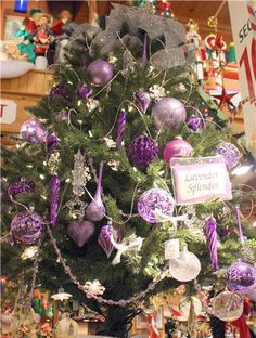 Purple and silver Christmas tree.  **Not doing it, but I sure do love the pra-pull.