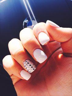 white fake nails