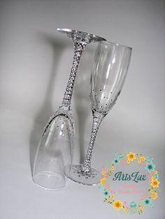 Brillante boda copas de champagne con brillantes diamantes de