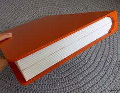 Caixa organizadora em formato de livro  #artesanato #caixa #box #handmade #decoracao #oganizacao #leitura #livro #estudos #pintura #handmade #dica #ideia #marrispe