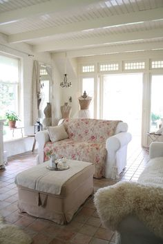 ❥ Cottage sunroom