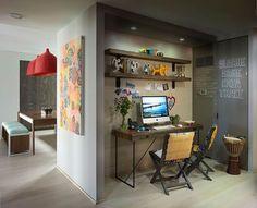 10 idéias pequeno Home Office - enfiado na parede ao lado da cozinha encontra-se…