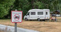 Huseierne ønsket seg mer plass og en peisovn i det trange kjøkkenet Recreational Vehicles, Camper, Campers, Single Wide