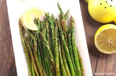 Wow your guests with this simple but delicious Lemon Wok Asparagus by Gluten-Free Palate. Gluten Free Recipes For Dinner, Paleo Recipes, Dinner Recipes, Lemon Asparagus, Asparagus Recipe, Fodmap, 4 Ingredients, Wok, Oven