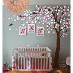 Beautiful nursery decor idea!