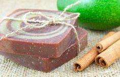 Come colorare e profumare il sapone autoprodotto in modo naturale