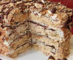 Banana Cake with Chocolate Frosting Torte Recepti, Kolaci I Torte, Bakery Recipes, Cookie Recipes, Dessert Recipes, Baking Cupcakes, Cupcake Cakes, Torta Recipe, Macaroon Cake