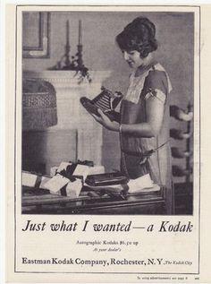 """uma publicidade à camara fotográfica da Kodak. """"Just what I wanted - a Kodak""""  (Just what I wanted too....)"""