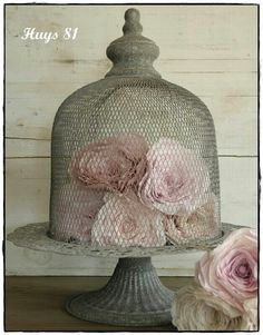 cloche X ღɱɧღ Rose Cottage, Shabby Cottage, Cottage Chic, Cloche Decor, Romantic Homes, French Country Decorating, Shabby Chic Style, Bird Cage, Decorating Your Home
