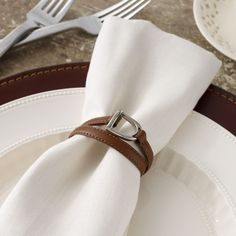 Ralph Lauren Equestrian Napkin Rings Ralph Lauren Equestrian Napkin Rings: Featuring an equestrian-inspired stirrup detail, the Dorset napkin ring is crafted from saddle leather and is the perfect heritage complement to the well-appointed table. Equestrian Decor, Equestrian Style, Ralph Lauren, Printed Napkins, Western Homes, Saddle Leather, Napkin Rings, Country Chic, Horses