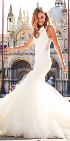 There are wedding dresses, and then there are the BEST wedding dresses. Fashion wedding gowns from the most popular bridal designers here. Best Wedding Dresses, Bridal Dresses, Wedding Styles, Wedding Gowns, Wedding Ideas, Plaid Wedding, Wedding Bells, Fairytale Gown, Pronovias Wedding Dress