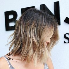 Pretty Pale Blonde - 60 Layered Bob Styles: Modern Haircuts with Layers for Any Occasion - The Trending Hairstyle Textured Bob Hairstyles, Modern Bob Hairstyles, Choppy Bob Hairstyles, Hair Styles 2016, Short Hair Styles, Short Textured Bob, Stacked Haircuts, Line Bob Haircut, Blonder Bob