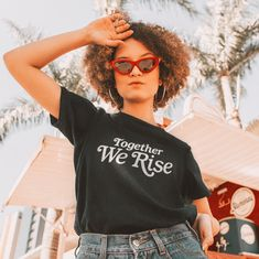 Feminist TShirt Together We Rise Vintage T Shirt Vintage T-shirts, Vintage Fashion, Vintage Style, 70s Style, T Shirt Vintage, Vintage Shoes, Black Women Fashion, Womens Fashion, Fashion Goth